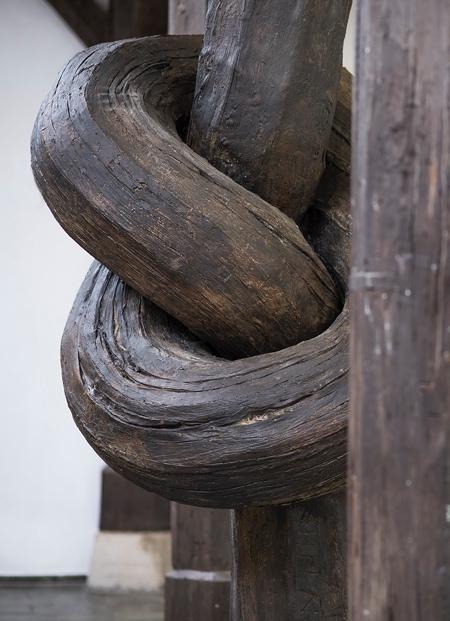 Alex Chinneck Column