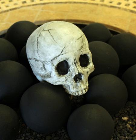 Myard Human Skull Fire Logs