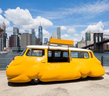 Erwin Wurm Hot Dog Bus
