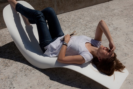 Floater Chaise