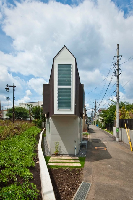 Mizuishi Narrow House