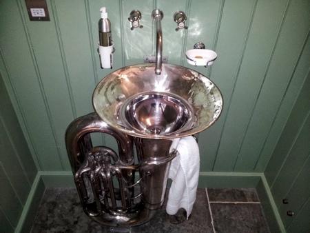 Sink Tuba