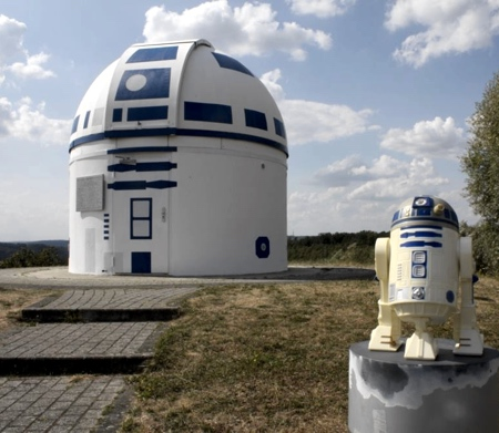 Star Wars R2-D2 Building