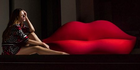 Red Lips Sofa