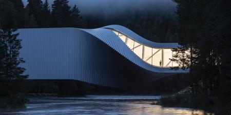 Twisted Building Bridge