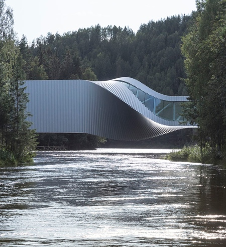 Twist Building Bridge