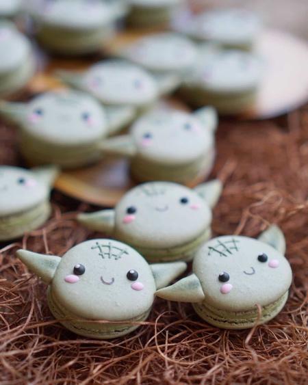 Star Wars Baby Yoda Macarons
