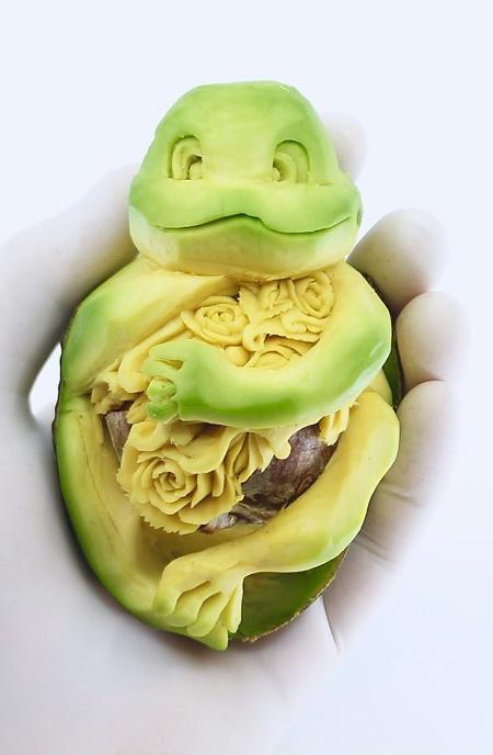 Avocado Carving