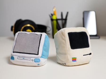 Macintosh Pocket Pillows