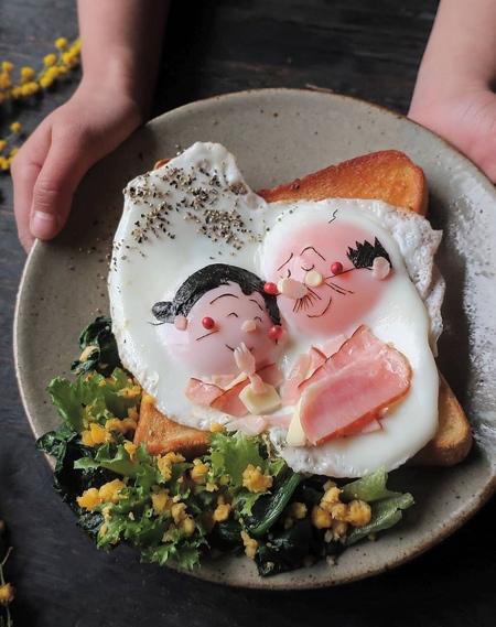 Etoni Mama Cartoon Eggs