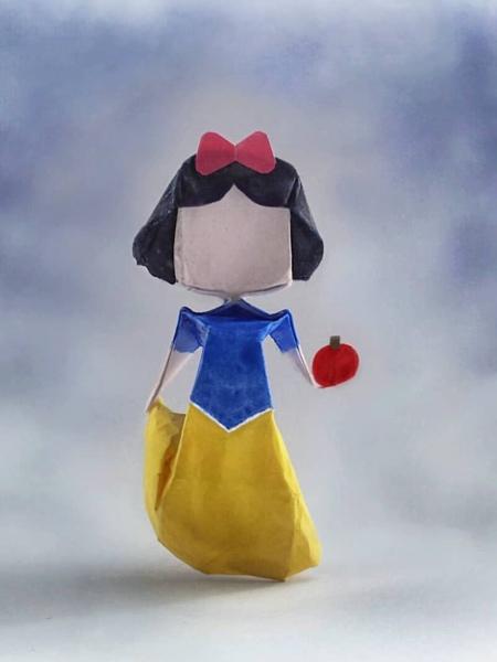 Snow White Origami