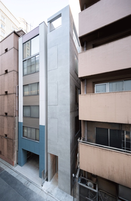 Skinny Building in Ginza Alley