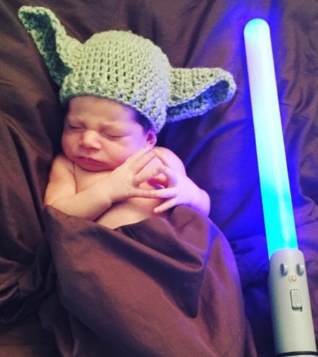 Knitted Baby Yoda Hat
