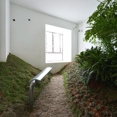 DEVOLUTION Indoor Park Apartment