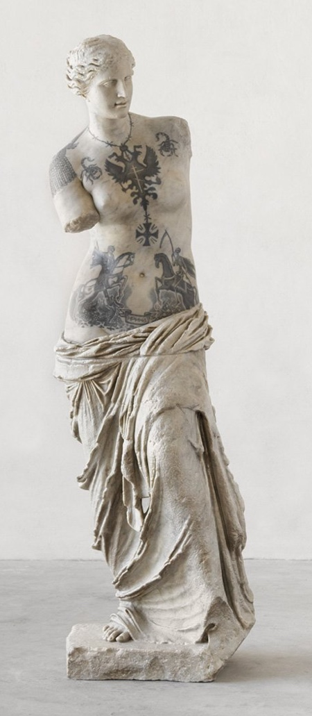 Fabio Viale Statue