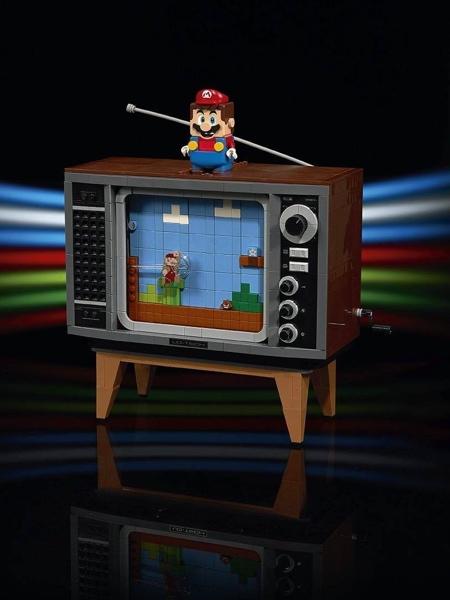 LEGO NES Mario