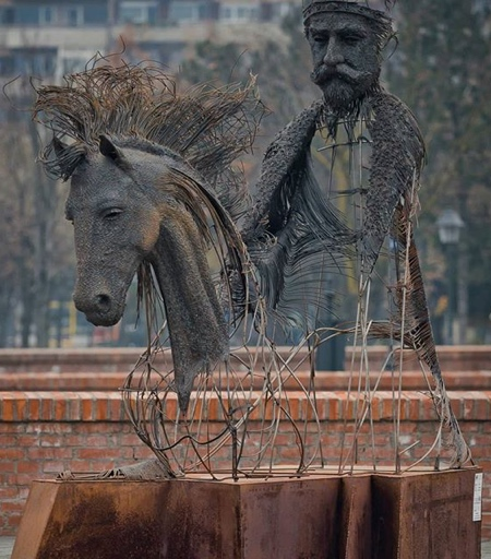 Sculptor Darius Hulea