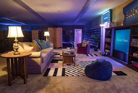 BLOCKBUSTER Hotel Airbnb