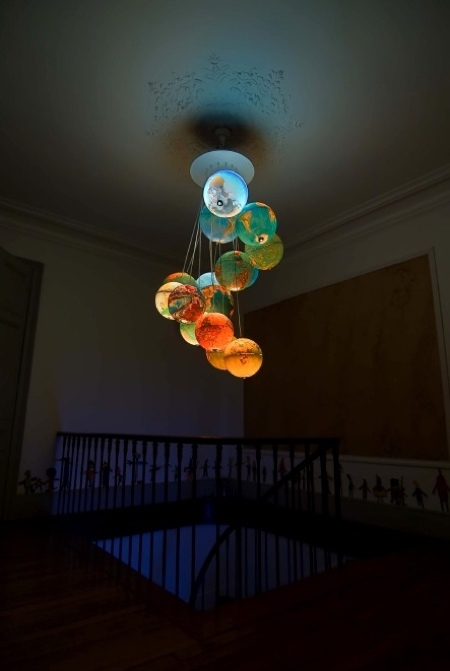 Globes Chandeliers
