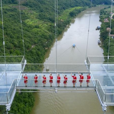 Huangchuan Three Gorges Scenic Area Glass Bridge