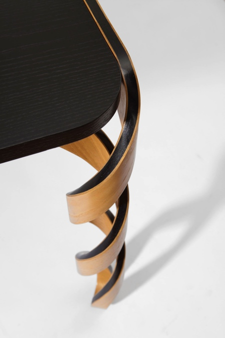 DNA Legs Table