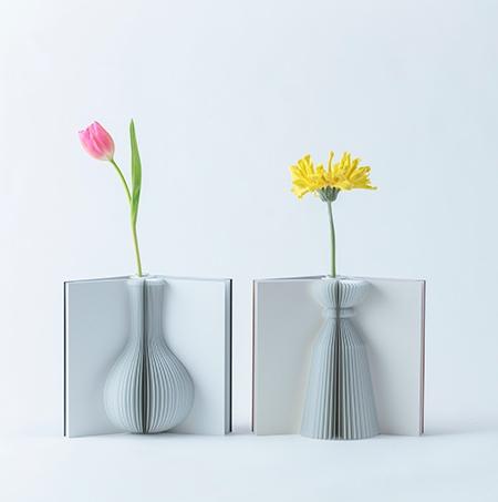 Vase Book