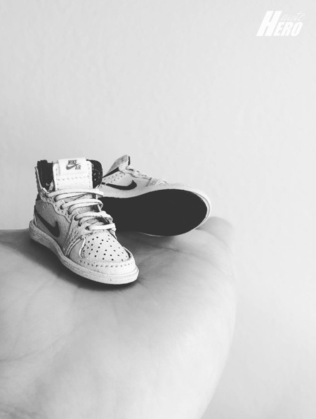 Miniature Nike