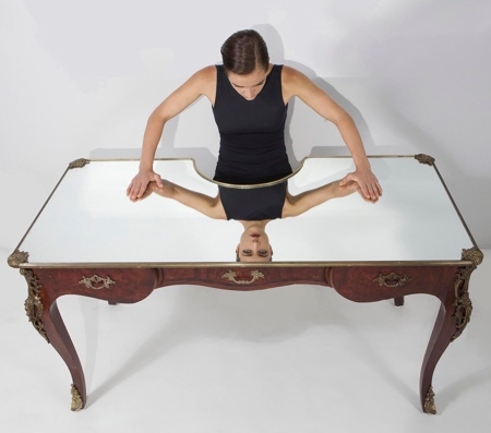 Narcissus Desk