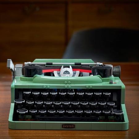 Functional LEGO Typewriter